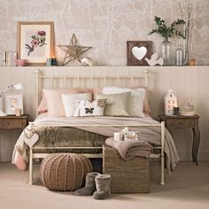 Want Christmas bedroom decorating ideas? Start the Christmas countdown with these magical ideas for decorating your bedroom