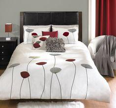 FLORA 3 piece duvet cover set // ensemble de housse de couette 3 morceaux Tropical Bedroom Decor, Tropical Bedrooms, Bed Linen, Linen Bedding, Duvet, Home Design Decor, House Design, Home Decor, Bedding Decor