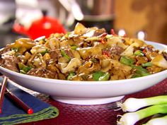 Look at this recipe - Beef and Black Bean Ho Fun - from Ching-He Huang and other tasty dishes on Food Network. Best Chinese Noodles Recipe, Chinese Noodle Recipes, Easy Chinese Recipes, Asian Recipes, Beef Recipes, Cooking Recipes, Healthy Recipes, Fun Recipes, Recipies
