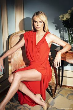 Charlize Theron, born & raised in South Africa. Model, outstanding actress, producer, director, philanthropist,...
