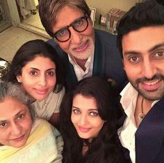 Aishwarya Rai, Abhishek, Jaya and Shweta Click Selfies with Birthday Boy Amitabh Bachchan !!