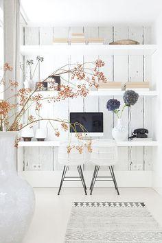 photo 1-decoracion-nordica-oficina-workspace-office-decor-scandinavian_zps7mnjfozu.jpg