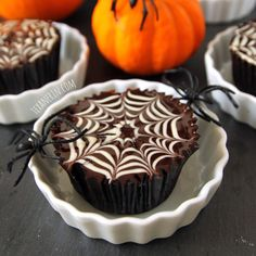 Gluten- and Grain-free Chocolate Spiderweb Cupcakes with Chocolate Peanut Butter Fudge Frosting | texanerin.com