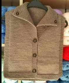 Devrik Yakalı Kol Ve Yaka Kesimi Olmayan Basit Yelek Tarifi. Baby Knitting Patterns, Baby Cardigan Knitting Pattern, Knitting Blogs, Knitting For Kids, Knitting Designs, Crochet Baby, Knit Crochet, Baby Boy Vest, Baby Baby