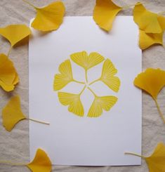 Fun craft for homemade cards Nature Crafts, Fall Crafts, Arts And Crafts, Tatoo Henna, Tattoo, Paper Art, Paper Crafts, Stamp Carving, Mellow Yellow