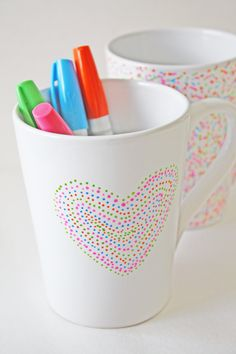 DIY confetti mug | CatchMyParty.com
