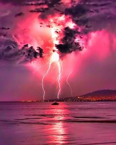 Lightning strike in pink sky Check out the website to see Beautiful Sky, Beautiful World, Beautiful Places, All Nature, Amazing Nature, Pink Nature, Pretty Pictures, Cool Photos, Amazing Photos