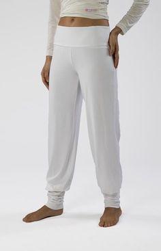 Yoga-, Wellnesshose weiß von HORN  auf DaWanda.com