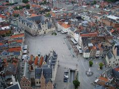File:Mechelen town square 2.jpg