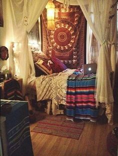 80 Modern Bohemian Bedroom Decor Ideas February Leave a Comment Find the best bohemian bedroom designs. Your bedroom speaks for your identity and lifestyle. And the bedroom decor that will definitely represent everything you are is non Bohemian Room, Bohemian Bedroom Decor, Bohemian Style, Hippie Bedrooms, Boho Chic, Girl Bedrooms, Bohemian Design, Bohemian Living, Boho Hippie