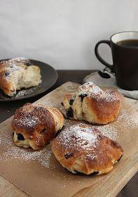Tinkas Welt: Aus Schweden: Blaubeerknoten zum Sonntagskaffee