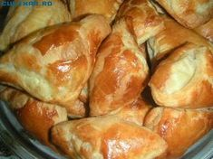 Cooking Bread, Bread Baking, Cooking Recipes, Romanian Desserts, Romanian Food, Pastry And Bakery, Bread And Pastries, Sweet Recipes, Cake Recipes