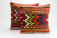Pair- Vintage, handwoven Kilim pillow 20'' x 20'' (50 cm x 50 cm) by storeOrient on Etsy https://www.etsy.com/listing/264390538/pair-vintage-handwoven-kilim-pillow-20-x