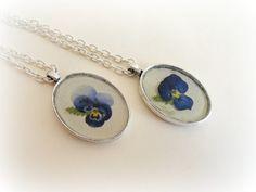 Violet Pansey necklaceBotanical specimen Real pressed by GBILOBA, €28.50