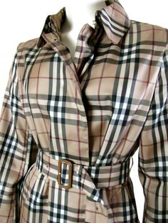 Classic Burberry Plaid Trench Coat Raincoat HTF All Nova Check Pattern c. Burberry Print, Burberry Plaid, Haute Couture Fashion, Pattern Fashion, Fasion, Fashion Forward, Summer Outfits, Autumn Fashion, Raincoat