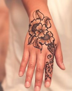 Tattoo's For > Henna Hand Tattoo Designs For Men Henna Tattoo Designs, Henna Tattoos, Tattoo Design For Hand, Henna Tattoo Hand, Bild Tattoos, Tattoo On, Tattoo Designs And Meanings, Flower Tattoo Designs, Mehndi Designs