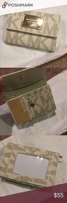 ✨NEW!✨Michael Kors ID & Card holder wallet Brand new Michael Kors Bags Wallets
