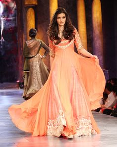 Indian Salwar Kameez Long Frocks: Unique Frocks For Girls Indian Salwar Kameez, Churidar, Anarkali, Lehenga, India Fashion, Asian Fashion, Fashion Show, Ethnic Fashion, Indian Dresses