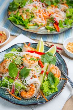 Vietnamese Summer Roll Salad | closetcooking.com #Vietnamese #shrimp #salad