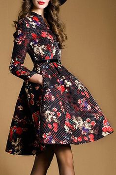 Vintage - V-Neck Long Sleeve Floral Print Pleated Dress