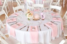 White & Blush table settings. Simple and elegant.