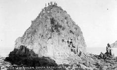 1890 the Sugarloaf on Catalina Island Avalon Catalina Island, Santa Catalina Island, Avalon California, Southern California, History Of Santa, Glass Bottom Boat, People Poses, San Fernando Valley, California History