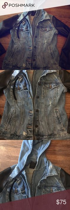 Denim Blank jacket with leather sleeves Awesome denim jacket with leather sleeves. Very cool Blank Denim Jackets & Coats Jean Jackets