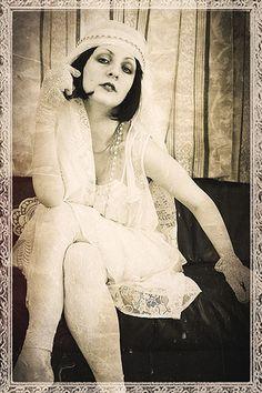1920s Wedding Inspiration Via Shira Weinberger Bridal Fashion Guide.