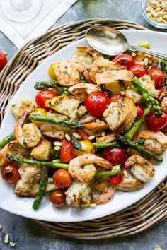 This Grilled Panzanella with Shrimp and Asparagus is the perfect summer meal. Just pair with your favorite wine and you're set!
