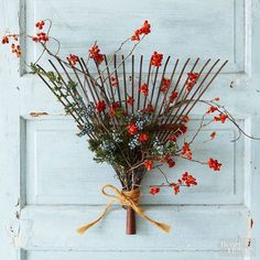 Fall Decorating Ideas | Love this pretty rake wreath for fall!