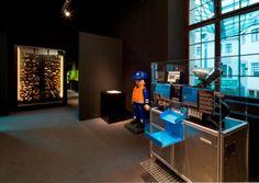 Eine originale Spritzgießmaschine hält ein Souvenir für jeden Besucher bereit! (c) Historisches Museum der Pfalz Speyer / Nicht zur kommerziellen Nutzung freigegeben.