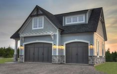Gray Exterior House Colors Design Pictures Remodel Decor and Ideas - page 6 Craftsman Construction The shingles above are Behr Semi Transparent stain color Light Lead The siding is Certainteed Pewter color The stone is Cultured stone Gray Cobblefield