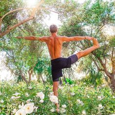 When you achieve this kind of balance and strength on the outside, you might just find that meanwhile, the same aspects grew tall on the inside @joshkrameryoga😍