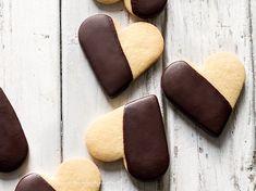 Biscotti frolla e cioccolato - Ricetta Biscotti frolla e cioccolato Good Food, Cookies, Buffet, Dessert, Recipes, Crack Crackers, Biscuits, Deserts, Postres
