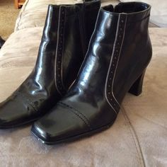 """Nickels black ankle boots. NWOT Black man-made material, 2 1/2"""" heel.  Zip on side.  Never worn. Nickels Shoes Ankle Boots & Booties"""