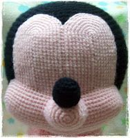 Ideas for crochet toys free patterns animals spanish Crochet Baby Toys, Baby Afghan Crochet, Crochet Amigurumi Free Patterns, Crochet Dolls, Crochet Gratis, Crochet Mickey Mouse, Baby Mickey Mouse, Crochet Disney, Amigurumi Doll