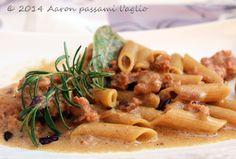 """""""Aaron passami l'aglio"""": PASTA SALSICCIA E CAPRINO"""