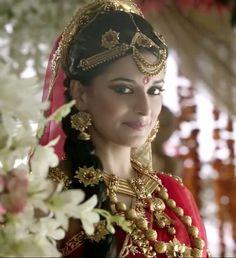 Pooja Sharma as Draupadi Beauty And Fashion, My Beauty, Fashion Art, Pooja Sharma, The Mahabharata, Indian Hindi, Cute Celebrities, Famous Women, Bad Hair