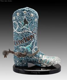 a whole collection of mosaic cowboy boots!!