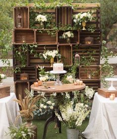 This set up is beyond breathe taking!!! @bridalmusings @studioemp @intertwinedevents @artwithnature
