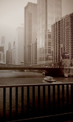 I love Chicago. Buildings on the river are awesome.