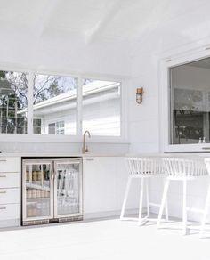 Small Backyard Design, Outdoor Kitchen Design, Beach House Deck, Philippine Houses, Beach Bungalows, Hamptons House, Coastal Farmhouse, Dream House Plans, Outdoor Areas