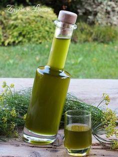 liquore al finocchietto Limoncello, Food Therapy, Liquor Drinks, Homemade Wine, Romanian Food, Liqueur, Organic Recipes, Italian Recipes, Vodka