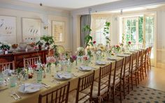 Expert tips for throwing a dinner party your guests won't forget