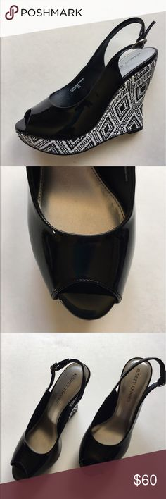 """Audrey Brooke Black & White Platform Wedge NWOT - These shoes will definitely have people envying your feet. Very unique and stylish!  Shoes in excellent condition. Pair with white or black items. Never worn.  Size - 8.5.  Platform - 1""""/Heel - 5"""" Audrey Brooke Shoes Platforms"""