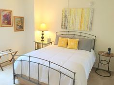 Airbnb in Los Angeles, United States.  $69 USD per night.   Surrounded by parks and cafes. Walking distance to Museum Row, Miracle Mile and The Grove-Farmer's Market. Less than 3 miles from Hollywood Walk of Fame, Hollywood Sign and Beverly Hills Rodeo Drive. - Get $25 credit with Airbnb if you sign up with this link http://www.airbnb.com/c/groberts22