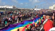 Crowds on Madeira Drive