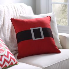 This pillow is simple, but everyone knows what it is with just one glance! The Santa Belt Pillow features the Man in Red's belly and glittered accents. It will bring a smile to your face. Easy Christmas Decorations, Christmas Sewing, Christmas Wood, Christmas Crafts For Kids, Simple Christmas, Christmas Ornaments, Xmas, Christmas Cushions, Christmas Pillow