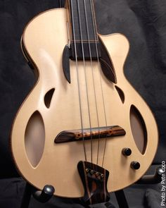 Mirabella Guitars Archtop Bass