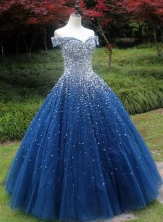 Sparkle Off The Shoulder Blue Ball Gown Prom Dresses, Puffy Tulle Quinceanera Dresses Funkeln weg von der Schulter blau Ballkleid Ballkleider, geschwollene Tüll Quinceanera Kleider Prom Dress Two Piece, Prom Dress Black, Pretty Prom Dresses, Homecoming Dresses, The Dress, Cute Dresses, Sweet 16 Dresses Blue, Puffy Prom Dresses, Blue Grad Dresses